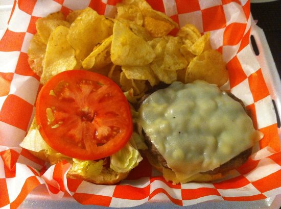 Crawfordville, FL: Tasty J's Cheeseburger!