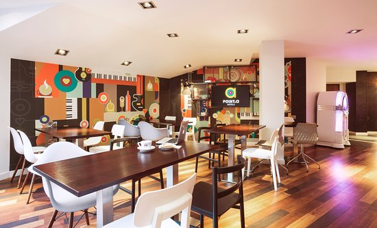 Point A Hotel, London Liverpool Street: Breakfast Area