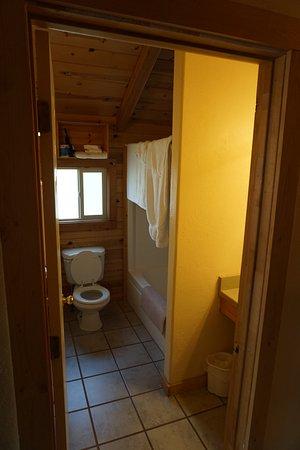 Cowboy Homestead Cabins: Bathroom off of Kitchenette area