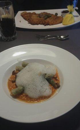 Dangast, Jerman: Risotto mit Spargel, Pfifferlinge & Parmesanschaum