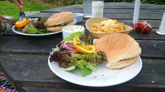 Widecombe in the Moor, UK: Pork baps
