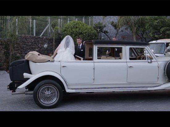 Santa Venerina, Italia: Matrimonio di Angela e Charlie in trattoria