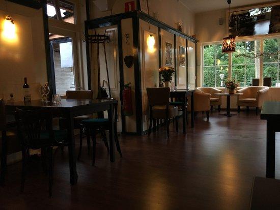 Buinen, Holland: Interior brasserie