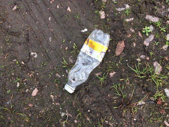 Benderloch, UK: More litter