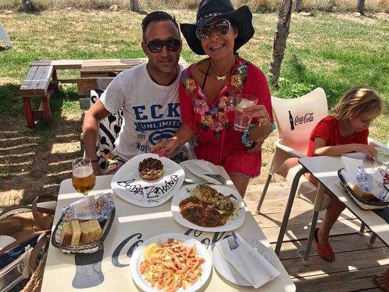 Zahora, España: Tenéis que probar estos platos!!!. Camarones del porreo fritos , tartar de atún rojo y el choco