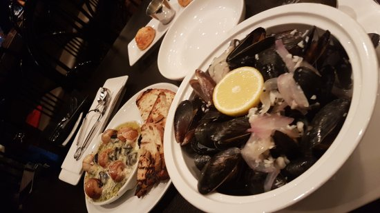 Claddagh Oyster House: 20170712_170957_large.jpg