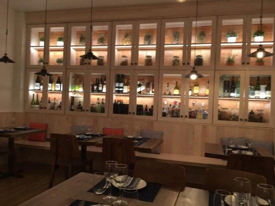 Hostal La Creu: Comedor exquisto, romántico y muy acogedor