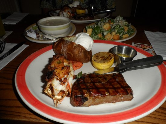 Chicopee, MA: steak and lobster