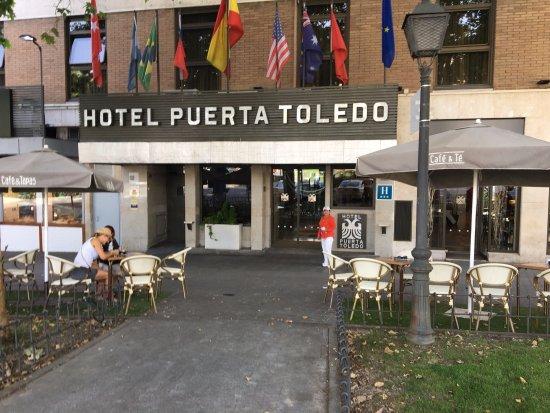 Hotel Puerta de Toledo: Acceso