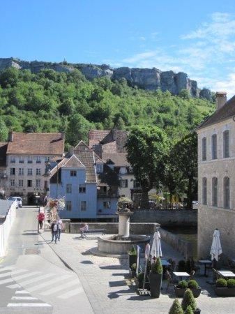 Ornans, France: Vue de côté