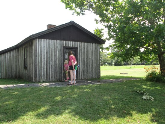 Petersburg, VA: Grant's Cabin at Old City Point