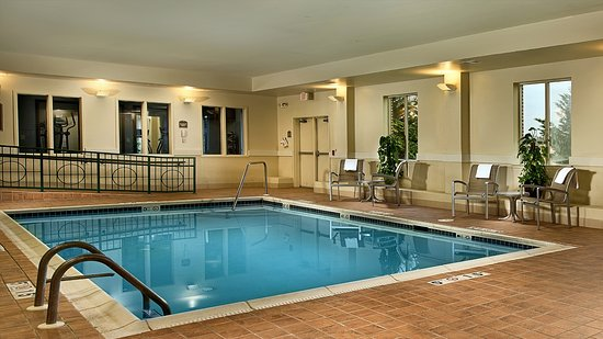 Holiday Inn Express Hotel & Suites Chambersburg: Indoor Pool