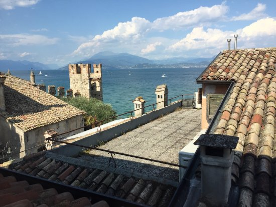 Meuble adriana updated 2017 guesthouse reviews price for Meuble adriana sirmione italy