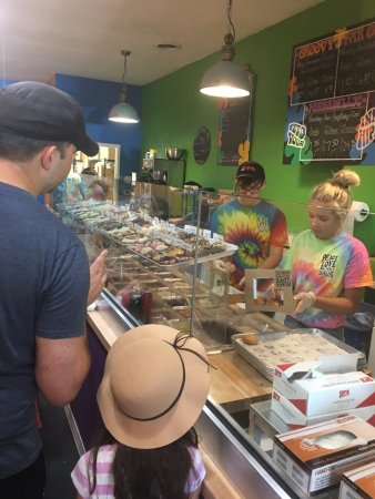 Worthington, OH: The order line for delicious donuts