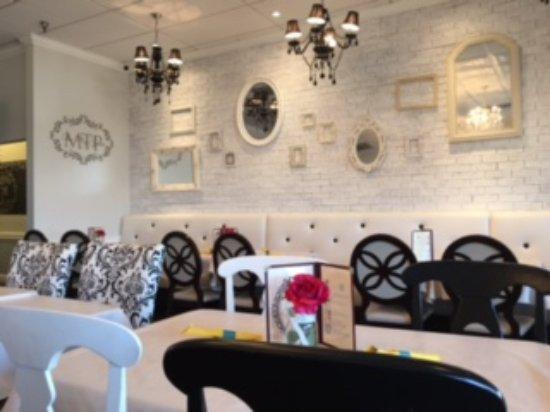 Centreville, VA: Dining area