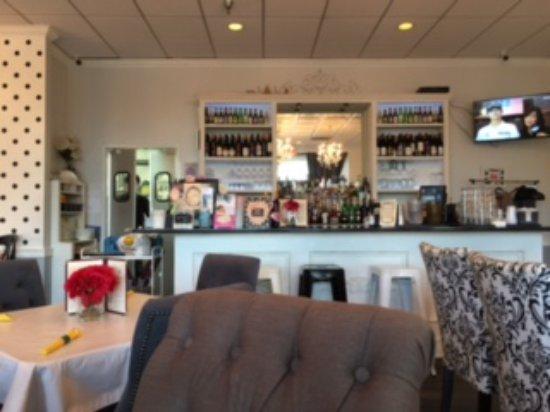 Centreville, VA: Bar area