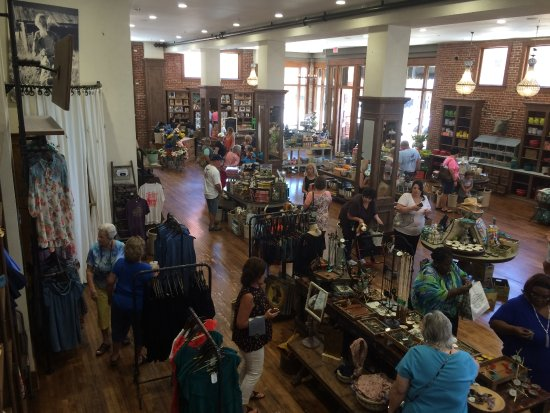 Inside The Store Picture Of The Pioneer Woman Mercantile