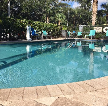 SpringHill Suites by Marriott Vero Beach: Pool & Deck