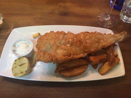 Cookham, UK: Main: Beer-Battered Line-Caught Cod