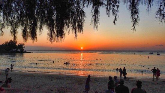 Pereybere Beach: photo1.jpg