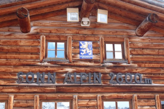 Zugspitze : Restaurant on the mountain