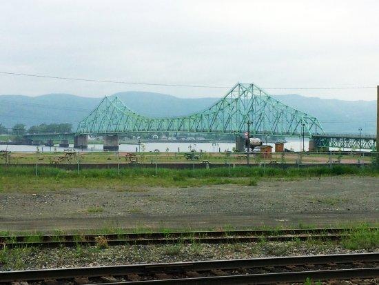 Montreal, Canada: Scenic bridge