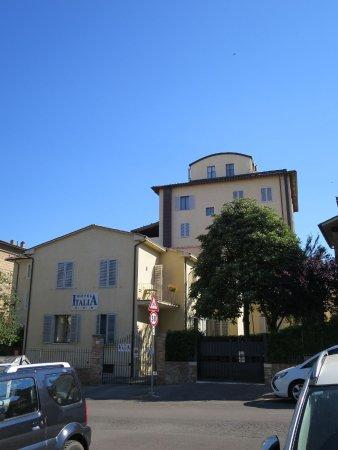 Hotel Italia: Hotel hinten