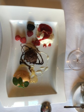 Kastav, Croacia: Dessert, 3 cremer