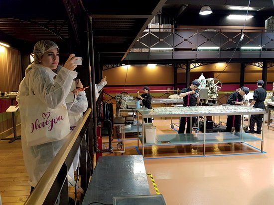 Visite guidée au coeur des ateliers obrázek za u0159ízení Chocolaterie Alex Olivier, Neuville aux  # Chocolaterie De Neuville Aux Bois
