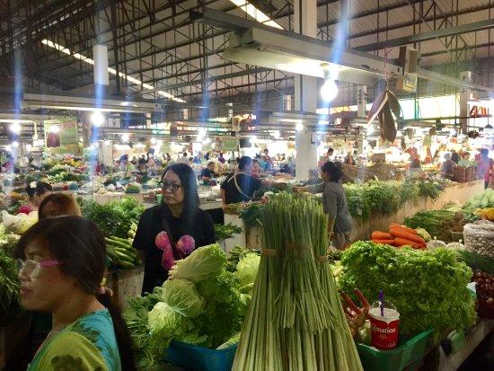 San Sai, Thailand: Market