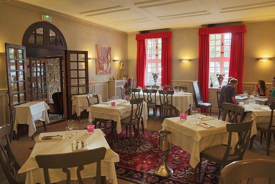 Restaurant Place Madeleine Beaune