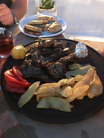 Schinoussa, Grecia: Lammkotletter det bästa vi har ätit