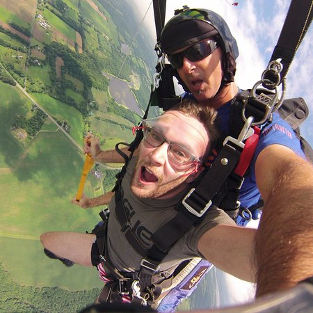 ‪‪Weedsport‬, نيويورك: My skydive with instructor Kelly‬