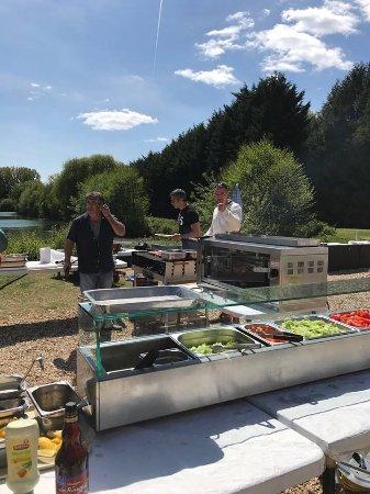 Ezy sur Eure, Francja: Chez ezylake du ski nautique pour tous les niveaux de la bouee un téléski un snack De quoi passe