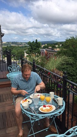 Beacon, NY: Still thinking about the delicious breakfast on the roof!