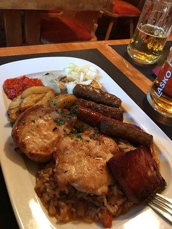 Begunje na Gorenjskem, Slovenia: Piatto di carne mista