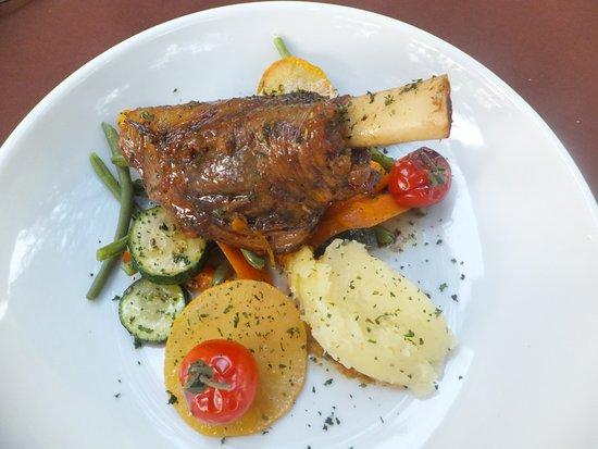 Carnoux-en-Provence, Francia: Souris d'agneau et sa farandole de légumes