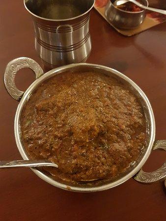 Amaravathi: chicken curry