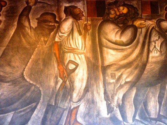 Murales en Antiguo Colegio de San Ildefonso