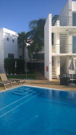 Boliqueime, Portugal: L'albergo visto dalla piscina