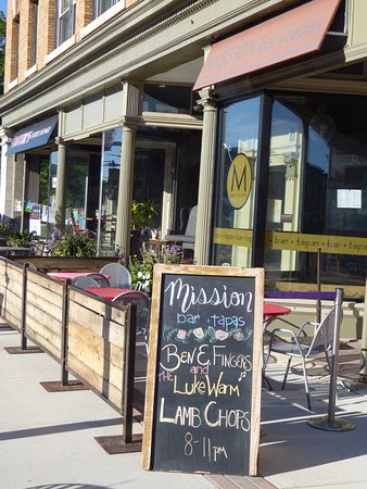 Pittsfield, MA: Outdoor seating
