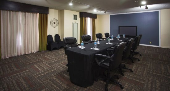 Hampton Inn Suites Valdosta Conference Center: Conference Style in our meeting room