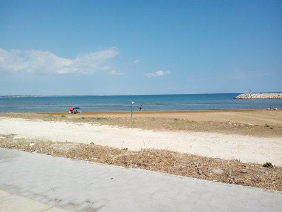 Pozzallo, إيطاليا: Spiaggia di pozzallo scorcio