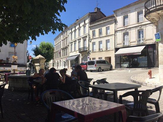 Chalais, France: photo1.jpg