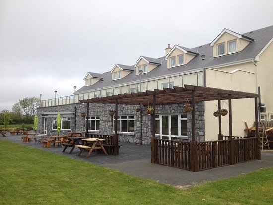 Ballinasloe, Irlanda: The Moycarn Lodge is a fantastic place to eat out. Also has a lovely beer garden for sunny days.