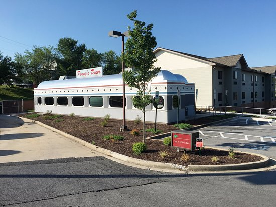 Brunswick, MD: fairly new diner and attached hotel