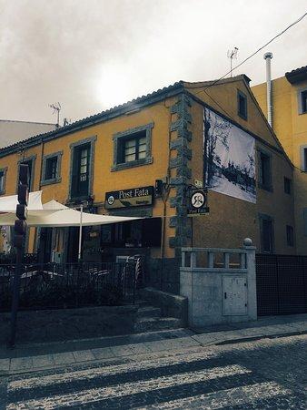 El Escorial, España: Nueva fachada!