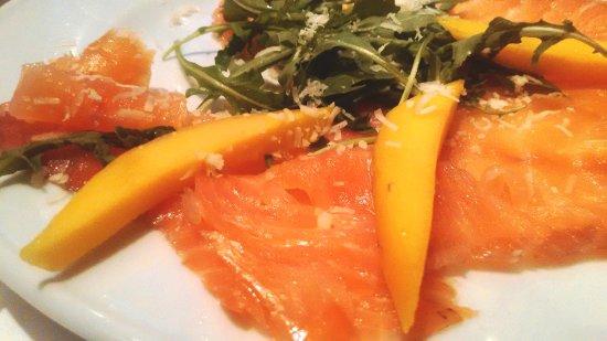 Resultado de imagem para salmão com pedaços de manga