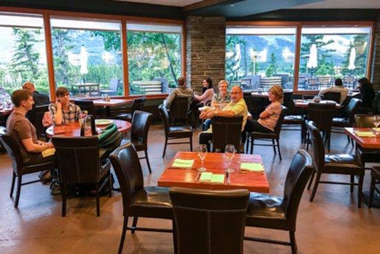 The Juniper Bistro: Restaurant interior