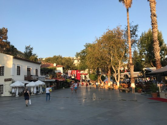 Hideaway Hotel: town square in Kas